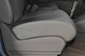 Nissan_Tiida_seat_111220152