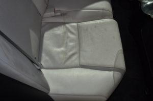 Lexus_HS250h_seat_121120155