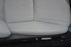 Lexus_HS250h_seat_121120158