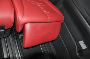 Nissan_Elgrand_seat_041720165