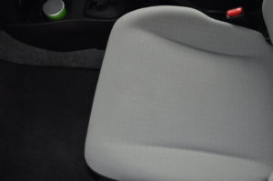 Toyota_Vitz_seat_042420162