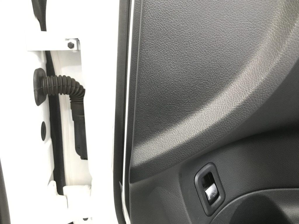 AMG C43 ドアトリムの凹み補修