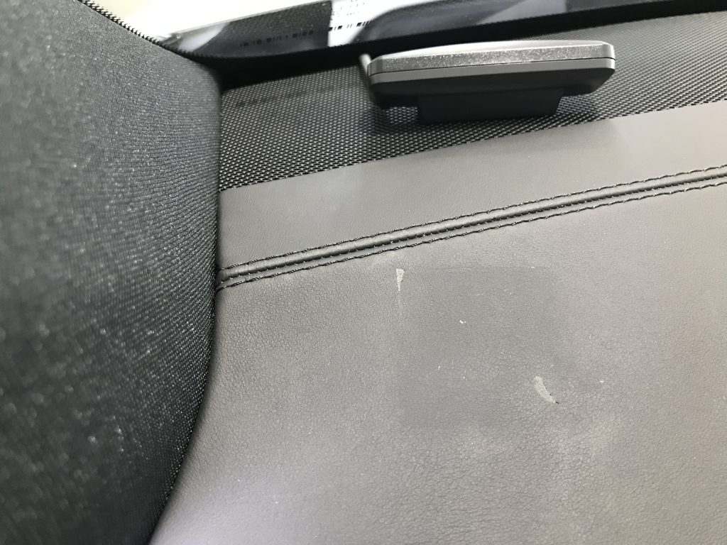 AMG GLE63 ダッシュボードの生地剥がれ補修