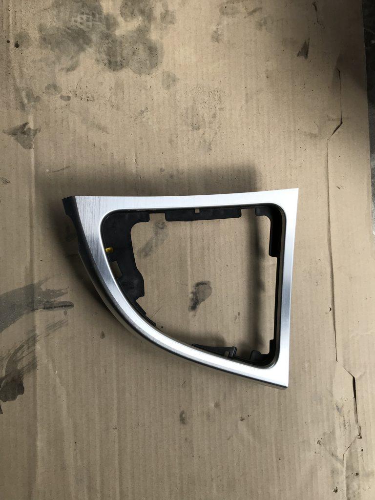 BMW 135i インパネへのカーボンパターンシート貼付け