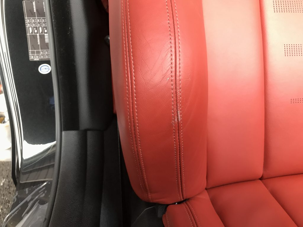 BMW M4 本革シートの色剥がれ補修