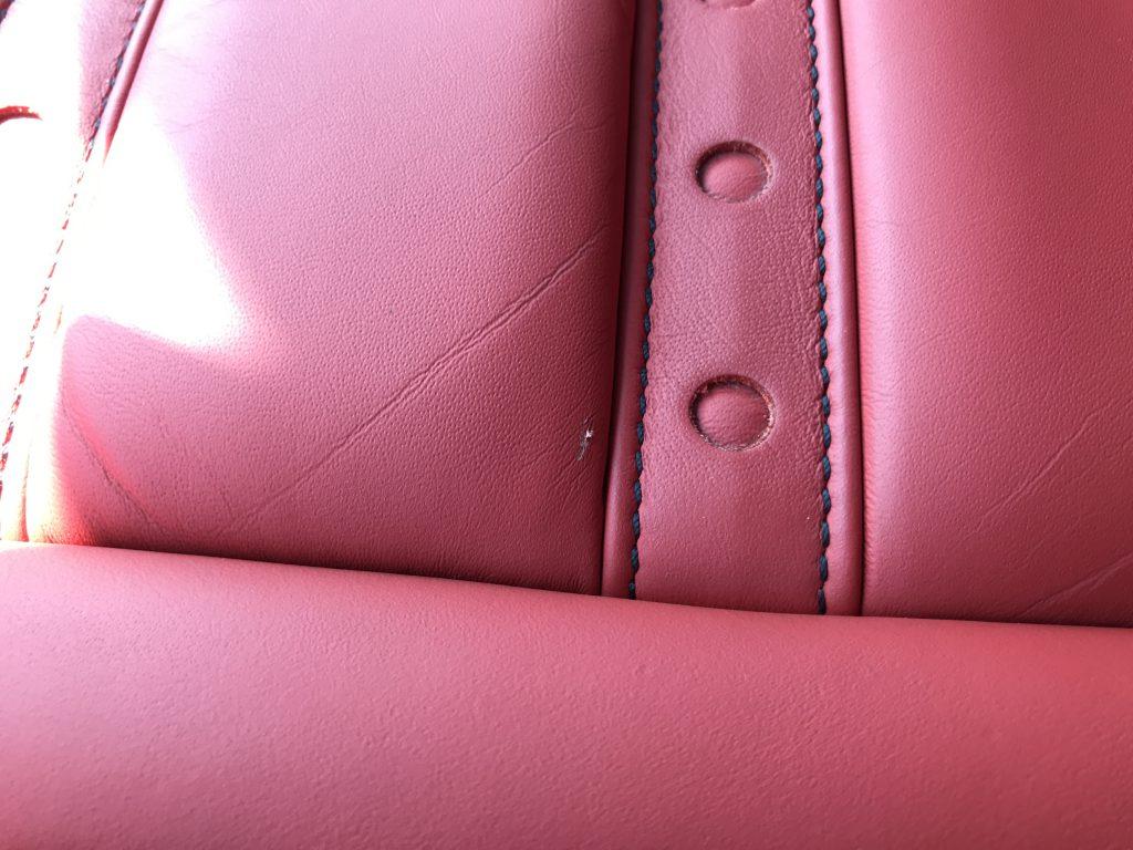 フェラーリ カリフォルニア 本革シートの小傷補修