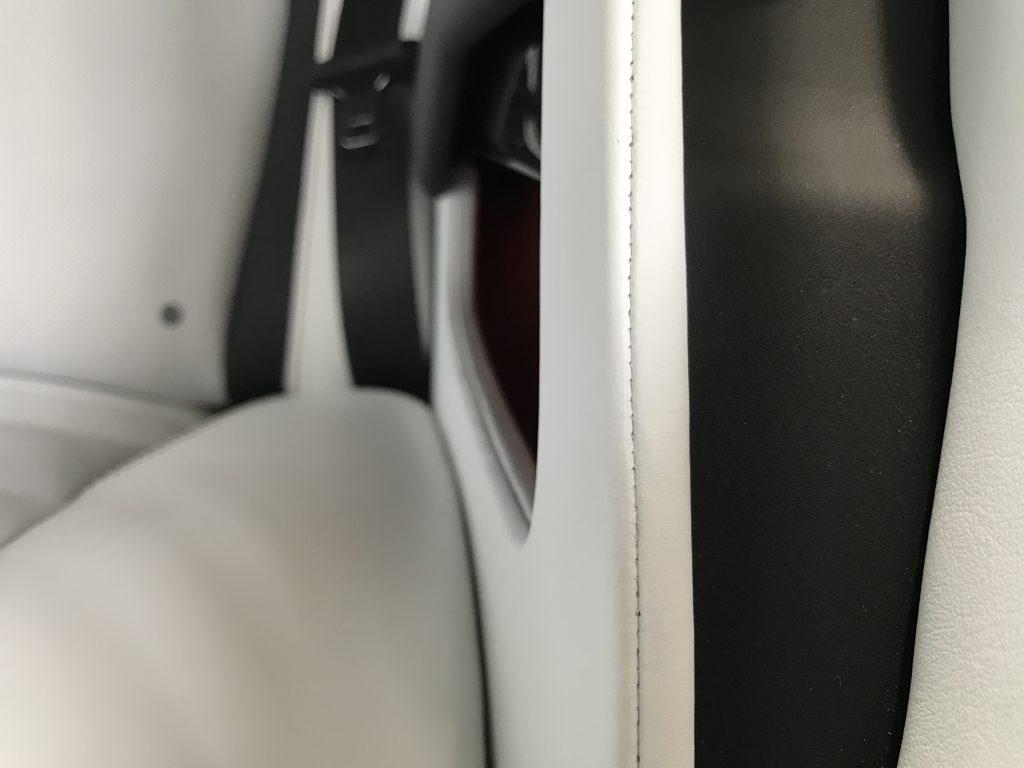 ロールスロイス レイス 内装の色剥がれ補修