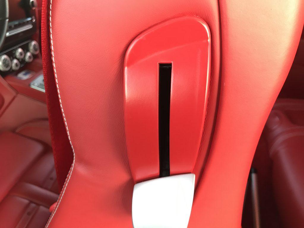 フェラーリ F612スカリエッティ 樹脂パーツのベタツキ補修