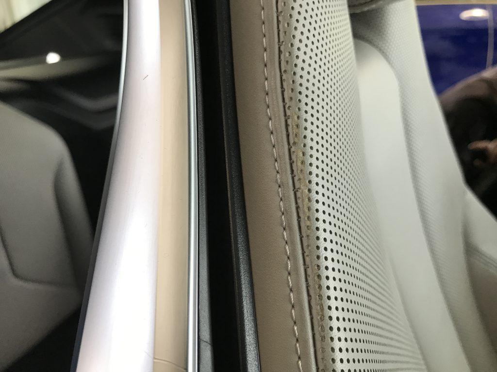 BMW I8 シートの色剥がれ補修