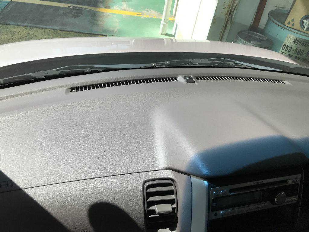 ホンダ N-BOX ダッシュボードの色剥がれ補修
