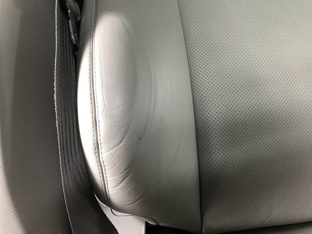 レクサス LS460 本革シートの皺と色剥がれ補修
