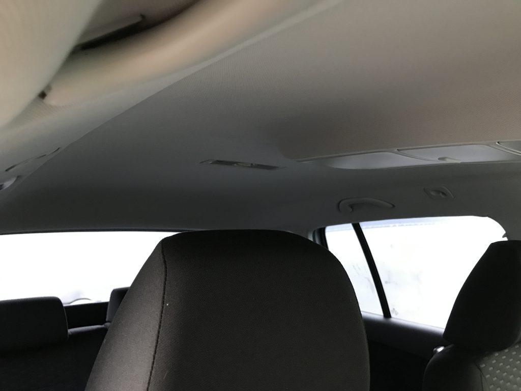 フォルクスワーゲン ティグアン ルーフライニング(天井)張替