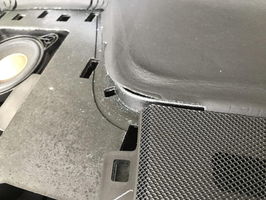 AMG CLS63 ダッシュボードの生地剥がれ補修AMG CLS63 ダッシュボードの生地剥がれ補修AMG CLS63 ダッシュボードの生地剥がれ補修