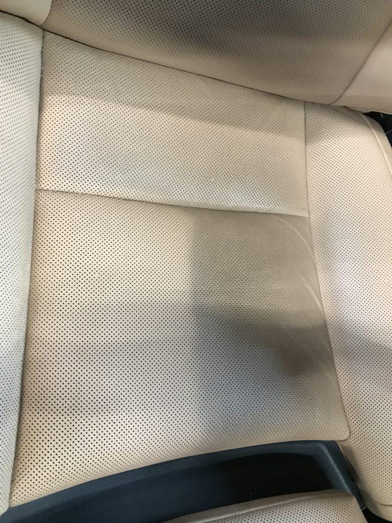 BMW 740i シートのクリーニングと色落ち補修