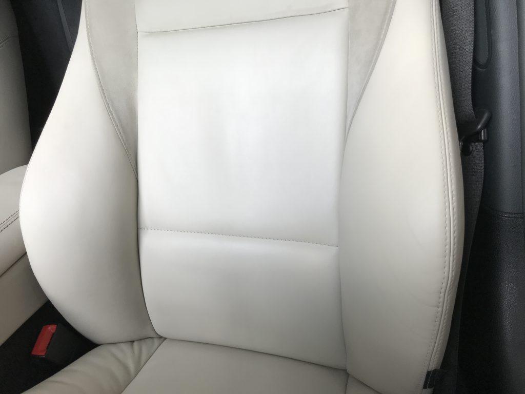 BMW Z4 本革シートの擦れ補修