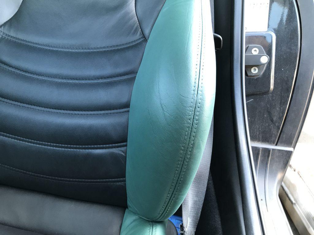 BMW Z3 本革シートのひび割れ、色抜け補修