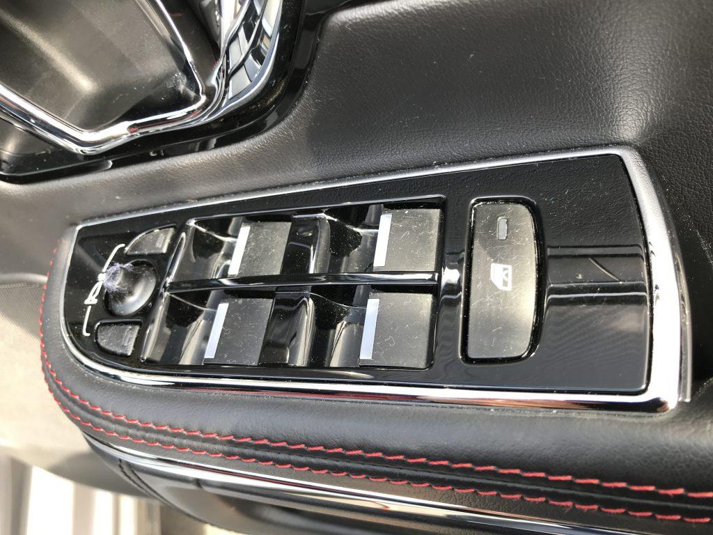 ジャガー XJR パワーウィンドウスイッチ等のベタツキ補修