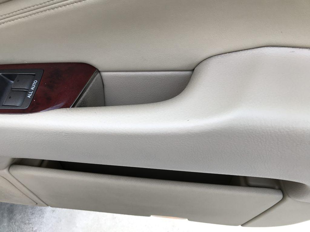 レクサス LS460 ドアトリムの生地剥がれ補修
