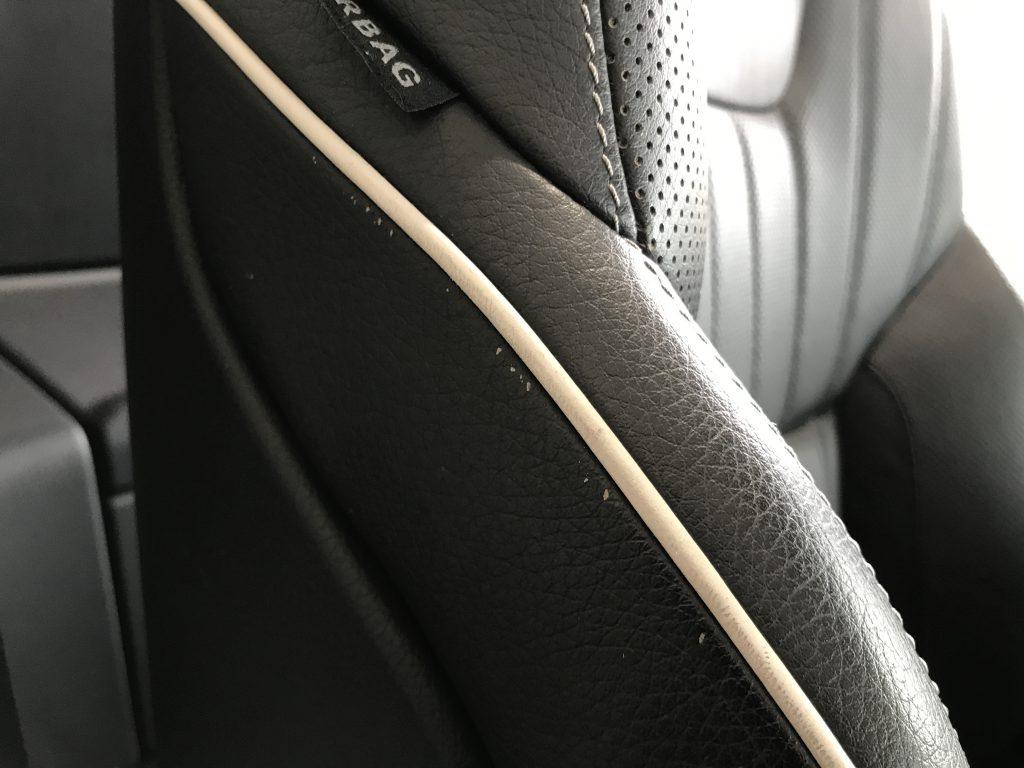 メルセデスベンツ SL350 シートの色剥がれ補修