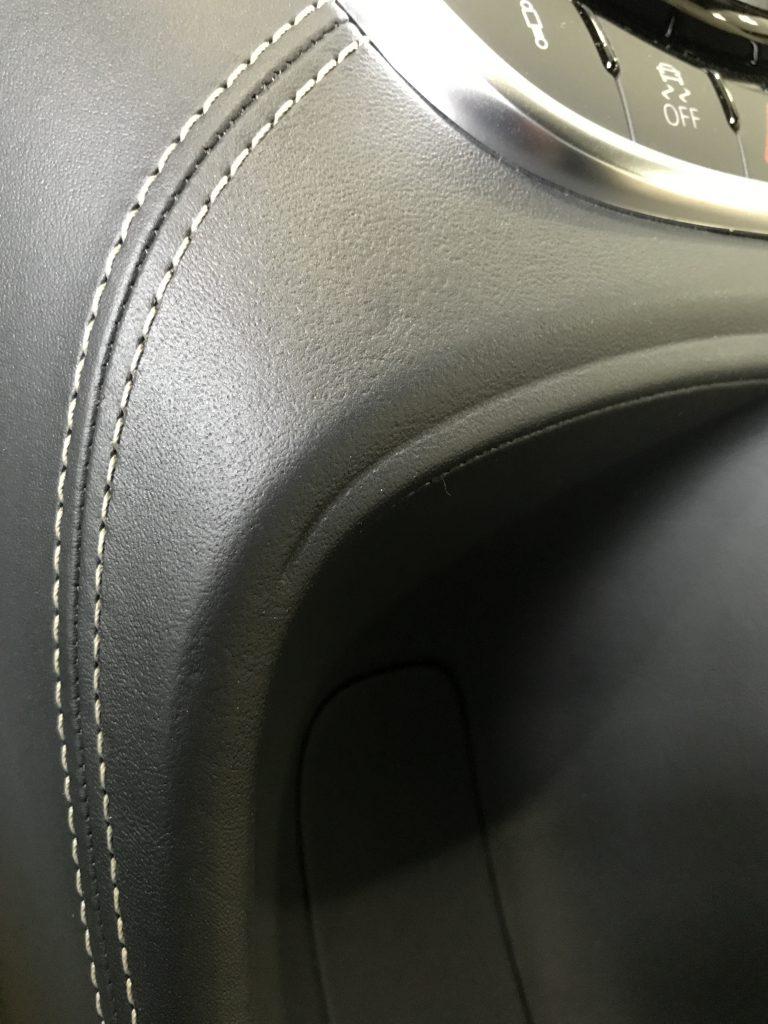 アウディ R8 内装の傷補修