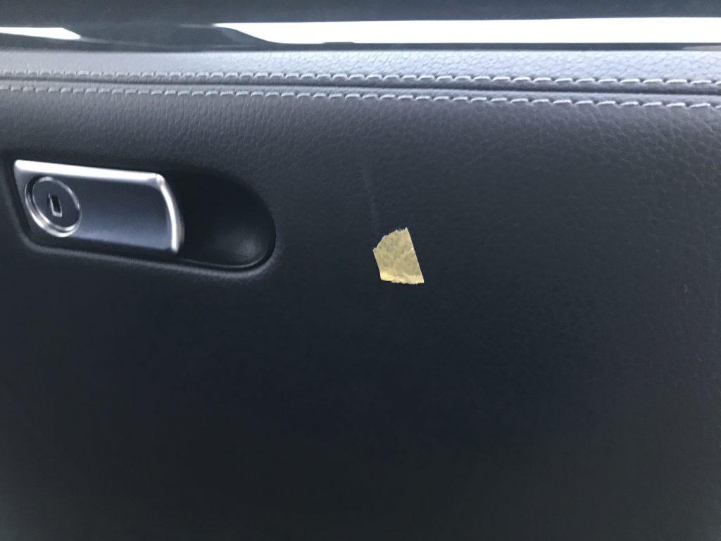 メルセデスベンツ SL550 グローブボックスの擦り傷補修