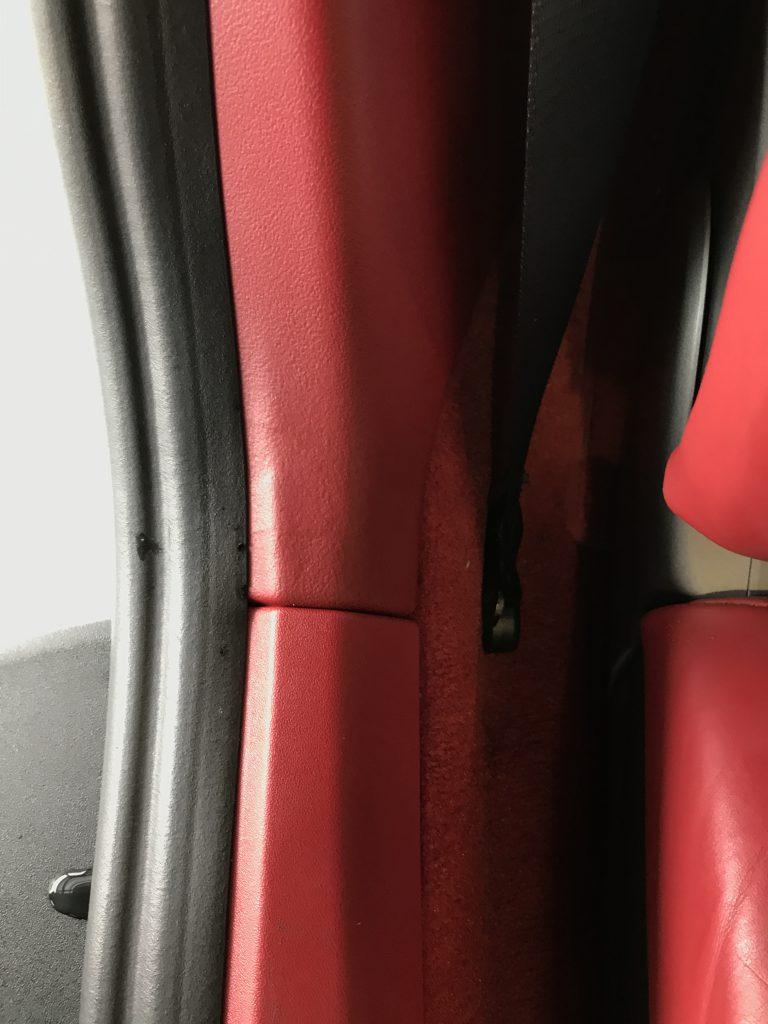 ポルシェ 911カレラ リアクォーターパネルの割れ補修