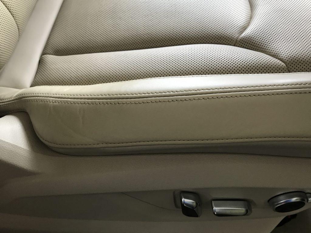アウディ Q7 本革シートの色剥がれ補修