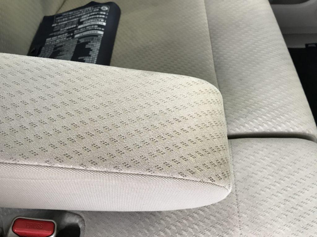 ホンダ N-WGN シートの焦げ穴補修