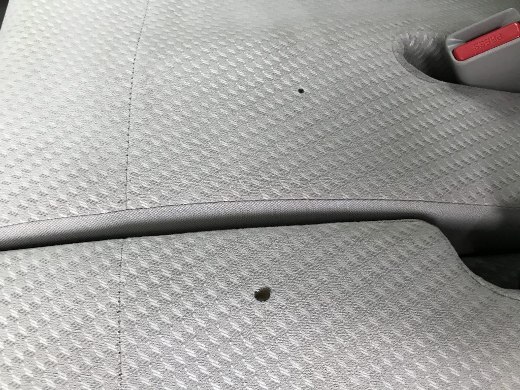 ホンダ N-WGN モケットシートの焦げ穴補修