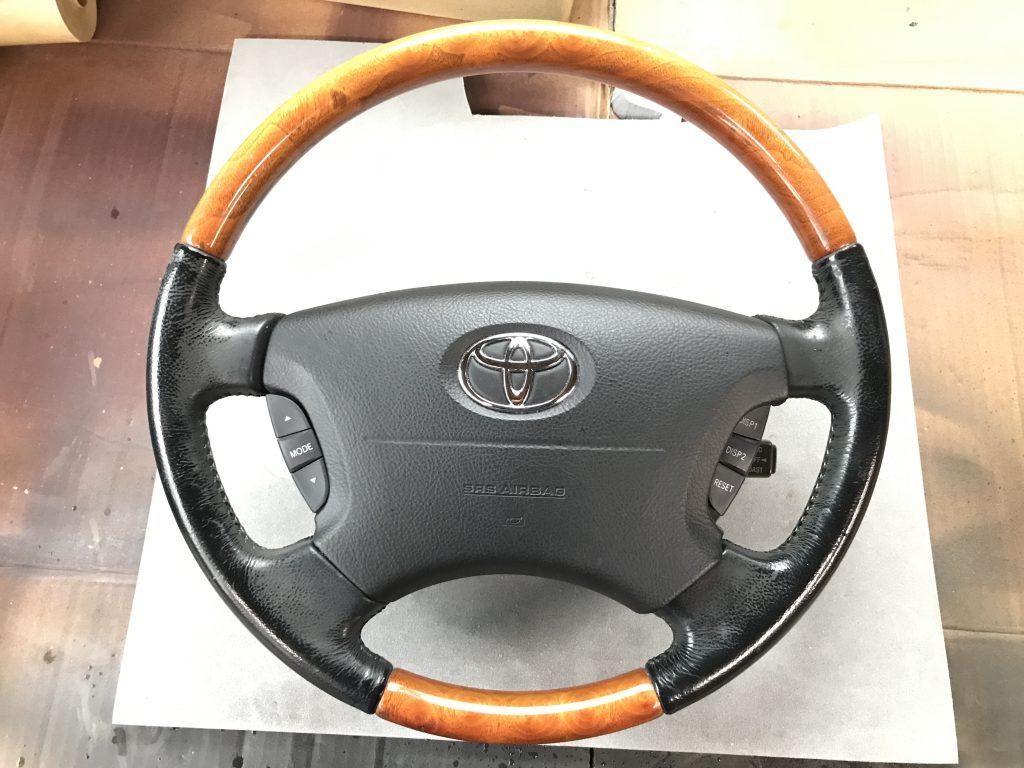 トヨタ セルシオ レザー・ウッド コンビハンドルの色剥がれ補修