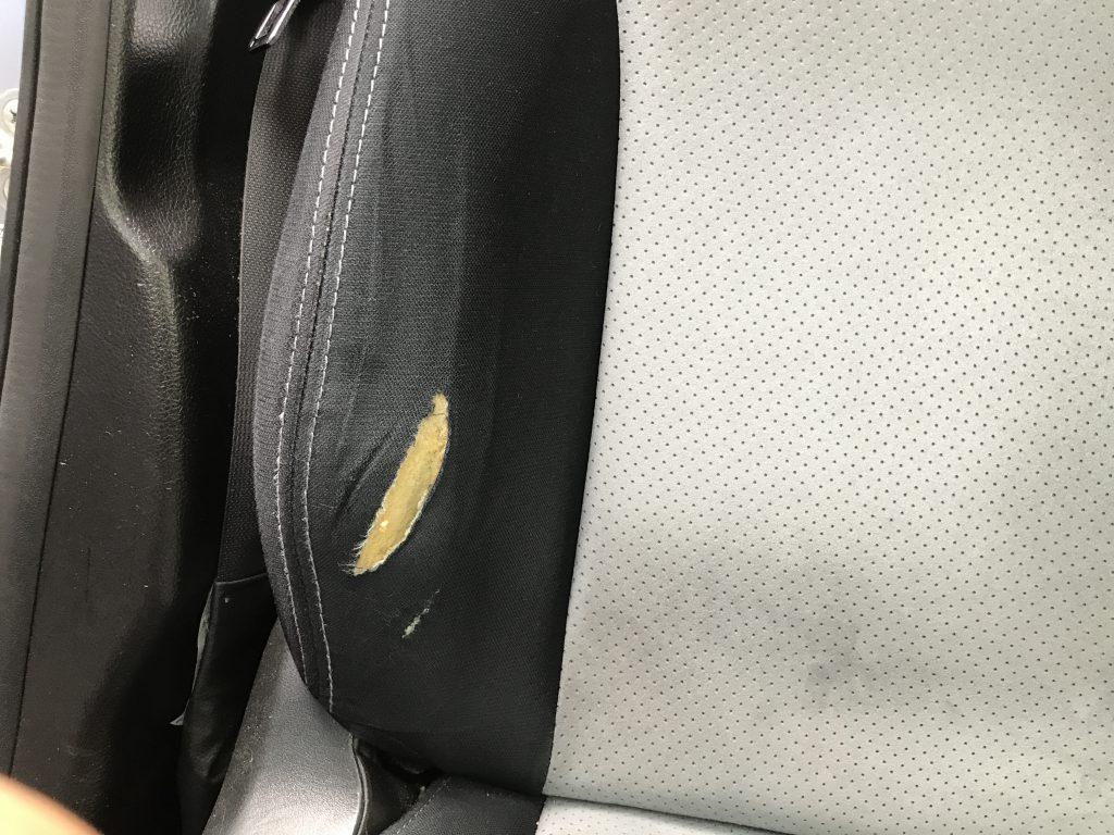 スバル XV 平織りシートの破れ補修(部分張替)