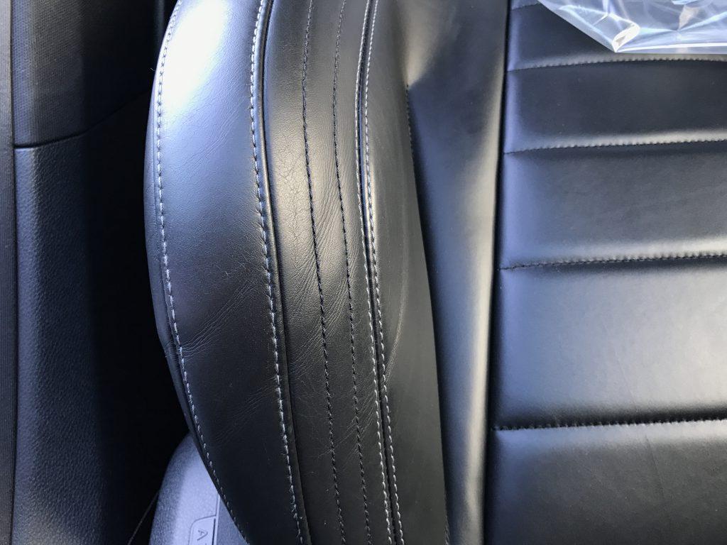 メルセデスベンツ E220d 本革シートの擦り傷、色剥がれ補修