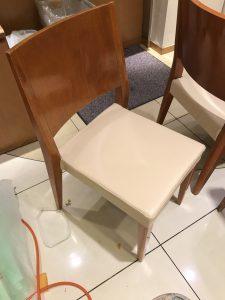 椅子のレザー生地座面張替