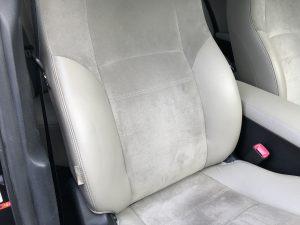 トヨタ アヴェンシス レザーシートの破れと色剥がれ補修