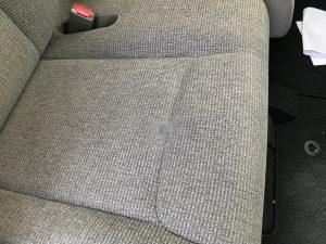 ホンダ N-Box モケットシートの焦げ穴補修