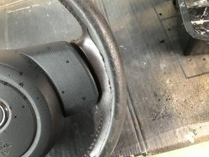 トヨタ パッソ ハンドル ステアリングの色剥がれ補修