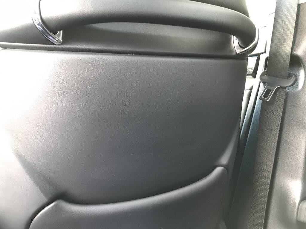 トヨタ ヴェルファイア シート背面の傷補修