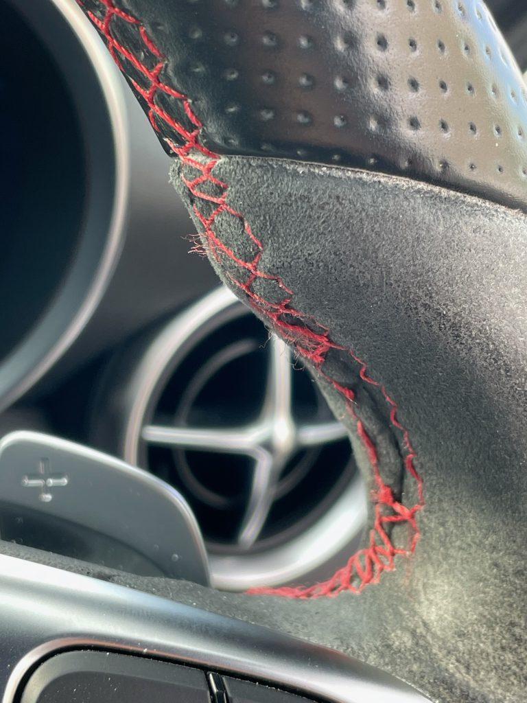 AMG SLC43 ステアリングステッチの補修